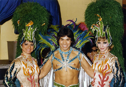tito_1976_ringling_costume_king_neptune_with_showgirls