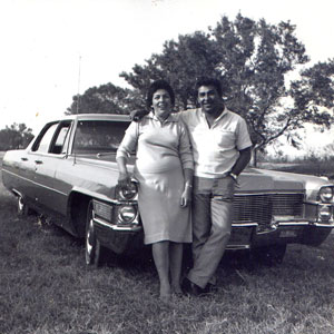 victor_teresa_in_front_of_cadillac_1960